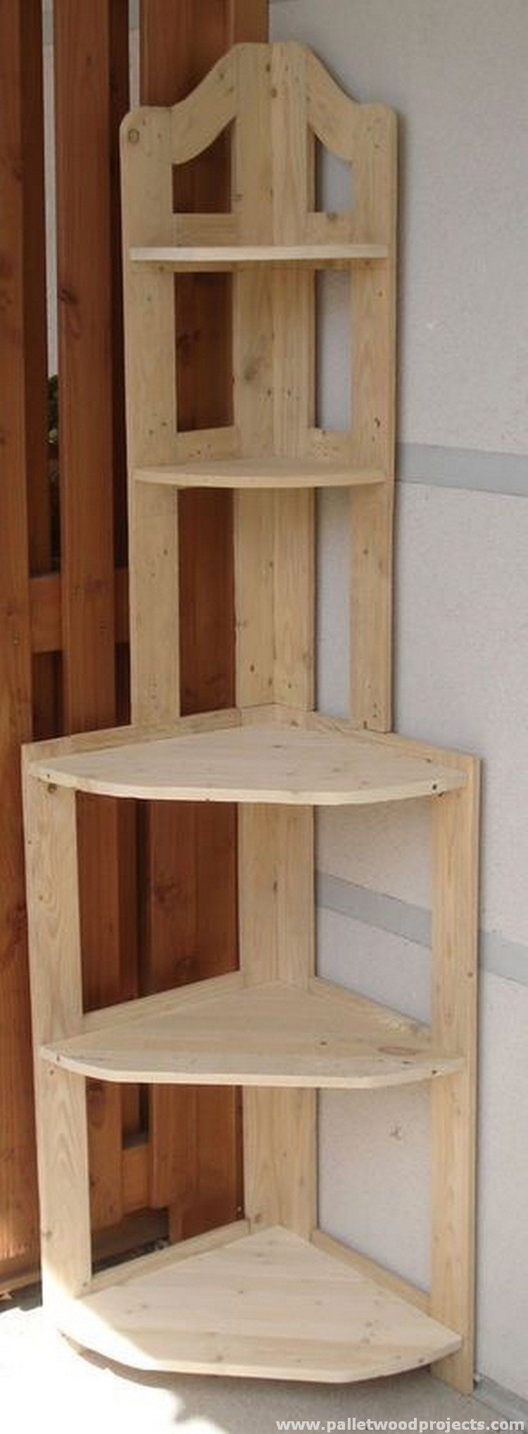 Wooden Corner Shelves ~ Give second life to used pallets pallet wood projects