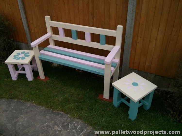 Pallet Garden Bench with Two Coffee Tables