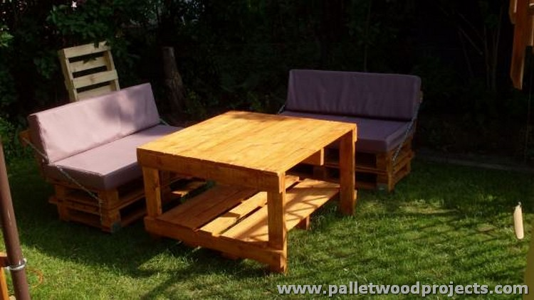 Pallet Garden Sofa with Table