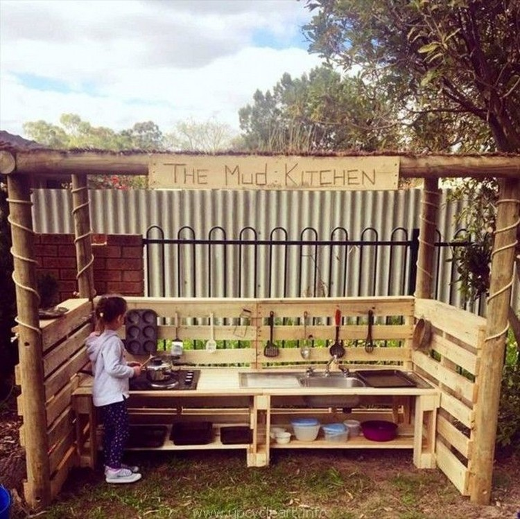 Pallet Kids Mud Kitchen