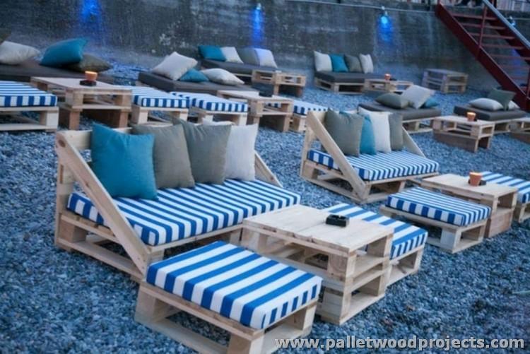 Pallet Outdoor Seating Arrangment