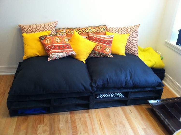 Pallet Sofa with Storage Option