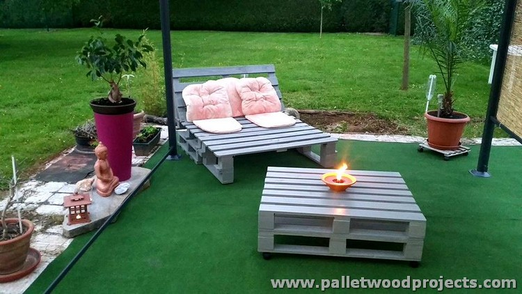 Pallet Sun Lounger with Table