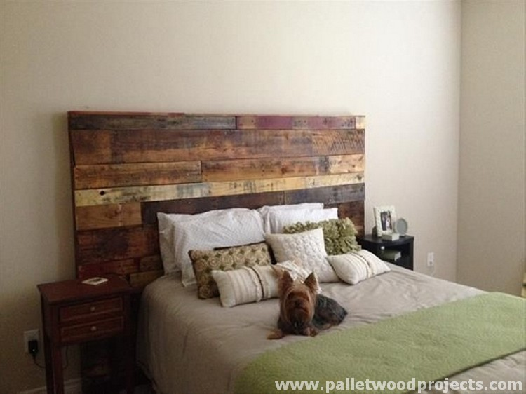 Cozy pallet headboard ideas pallet wood projects - Fabrication tete de lit en bois ...