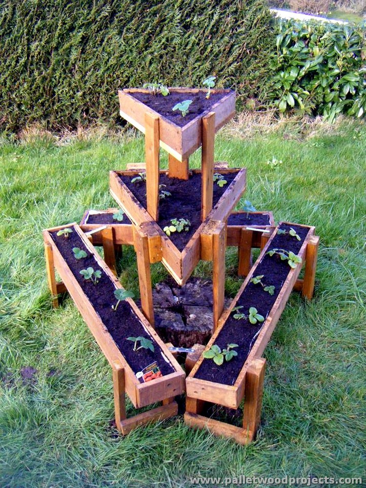 Pallet planter ideas pallet wood projects for Wooden garden planter designs