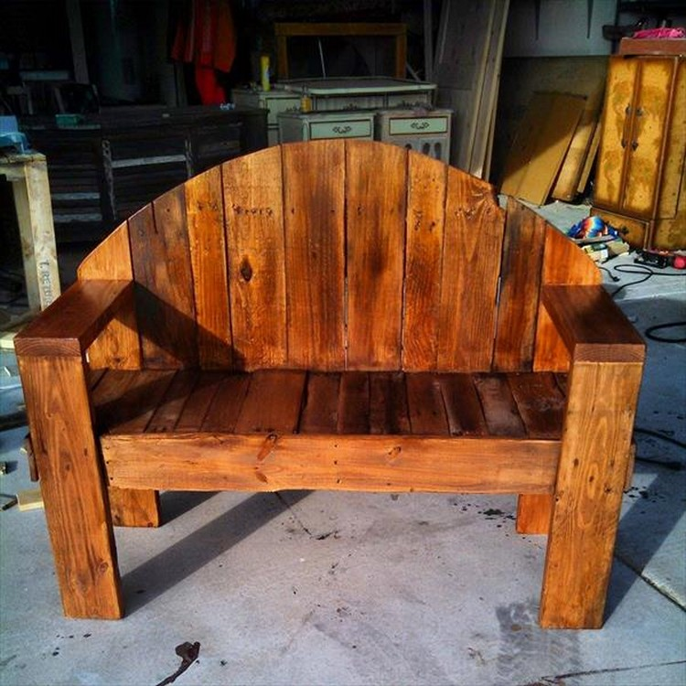 Recycled Wood Pallet Bench