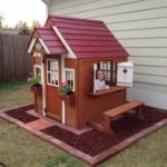Adorable Pallet Playhouse