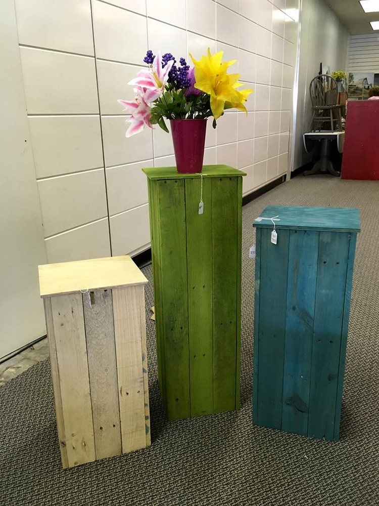 Colorful Pallet Pot Stand