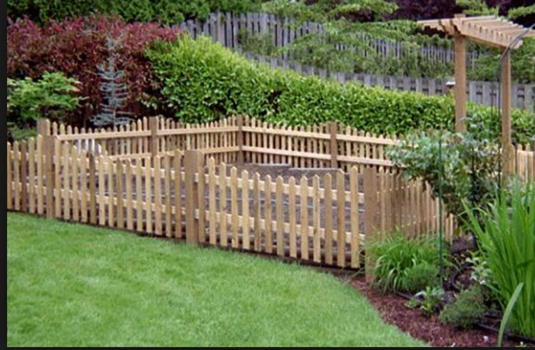 Ideas for wood pallet fences pallet wood projects Wood garden fence designs