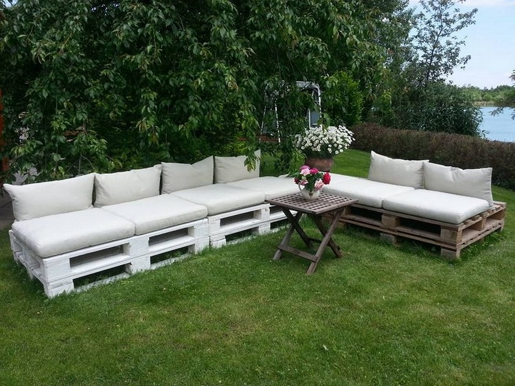 Garden Furniture Made out of Pallets