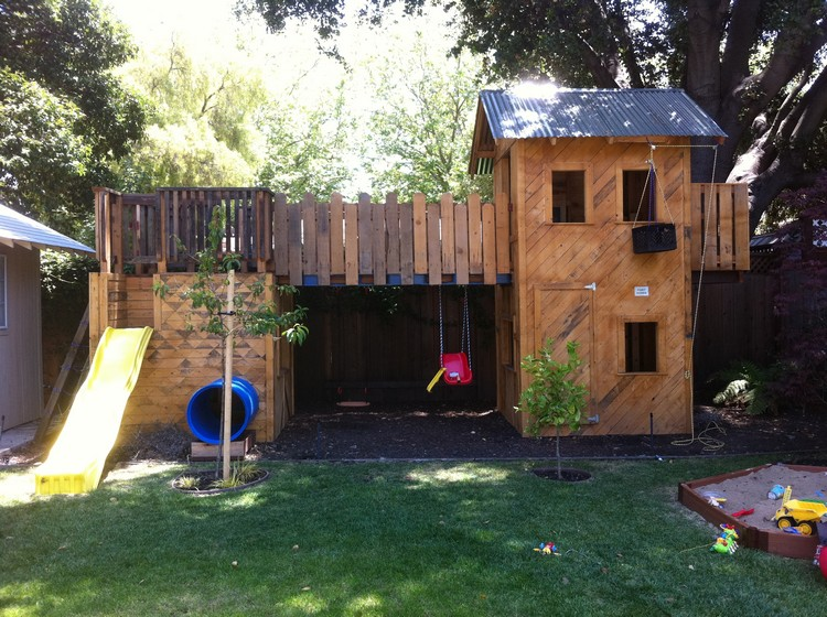 Huge Pallet Playhouse