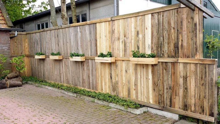 Pallet Garden Fence with Wall Hanging Planters
