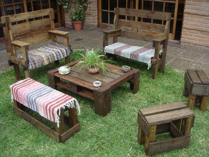 Shipping pallet outdoor furniture ideas pallet wood projects for Outdoor ideas for wood pallets