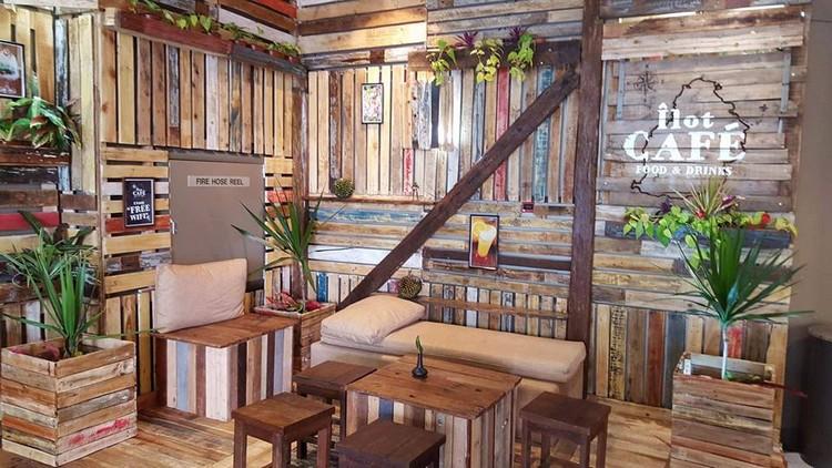 Pallet Made Cafe