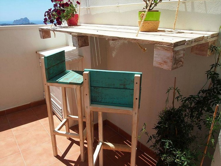 Pallet Terrace Wall Hanging Bar with Chairs