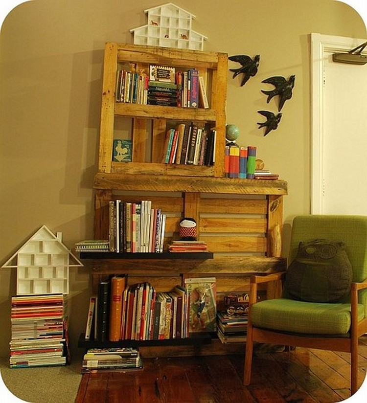 Recycled Pallet Bookshelves