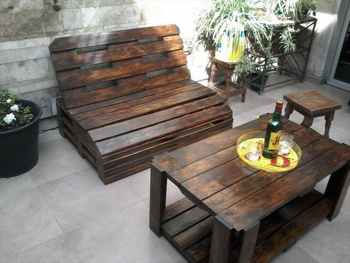 Furniture ideas with recycled wooden pallets pallet wood for How to make furniture out of wood pallets