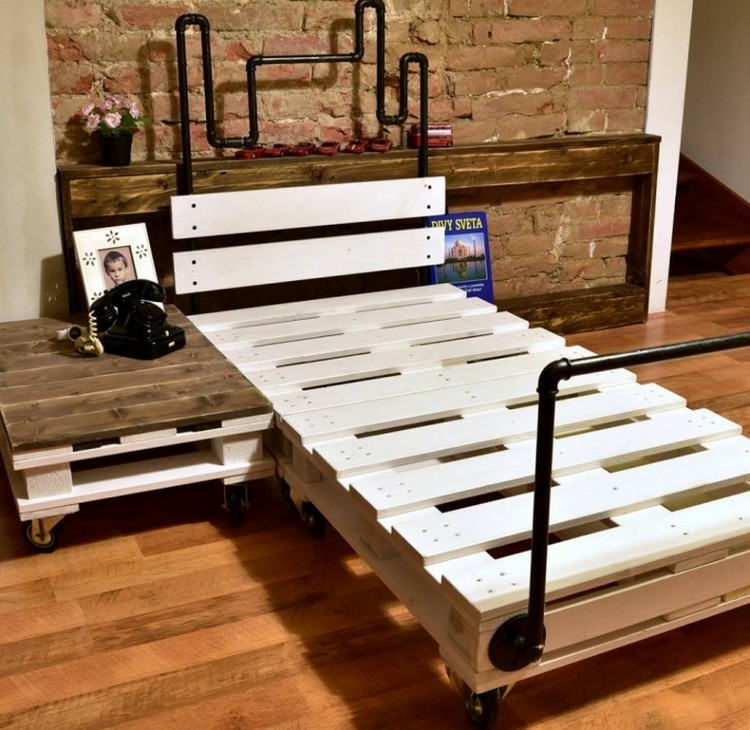 Pallet Bed with Pipes