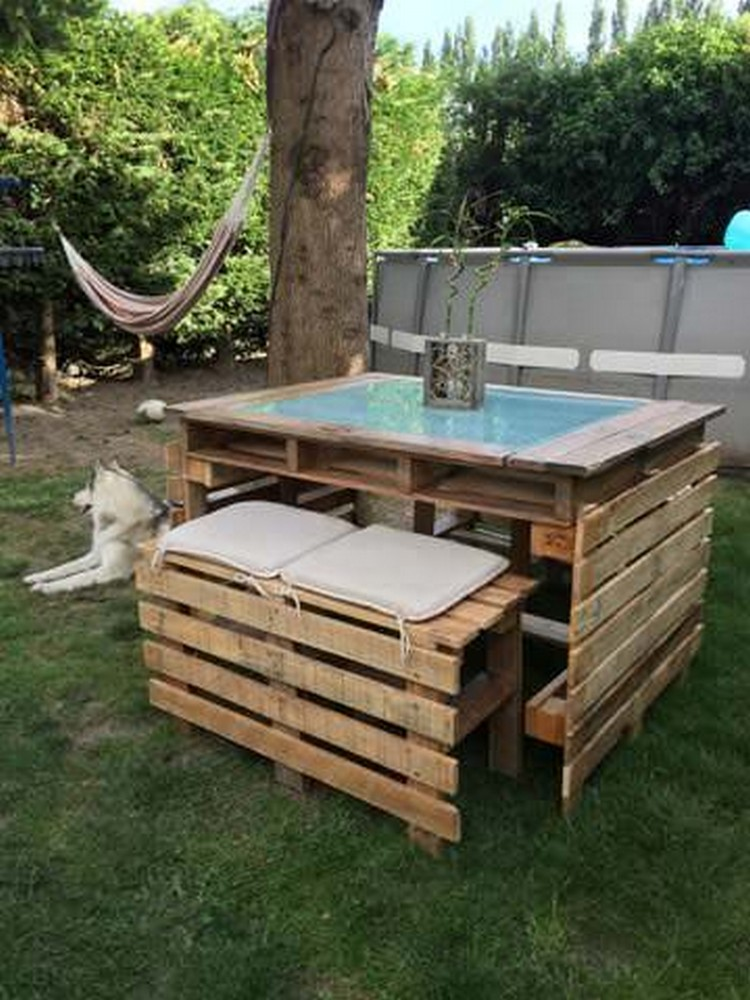 Pallet Bench and Table for Garden
