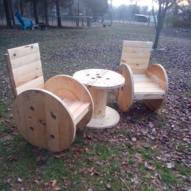 Pallet Cable Reel Chairs