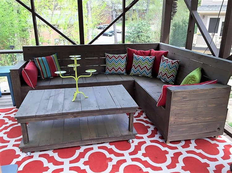 Pallet Corner Sofa and Table