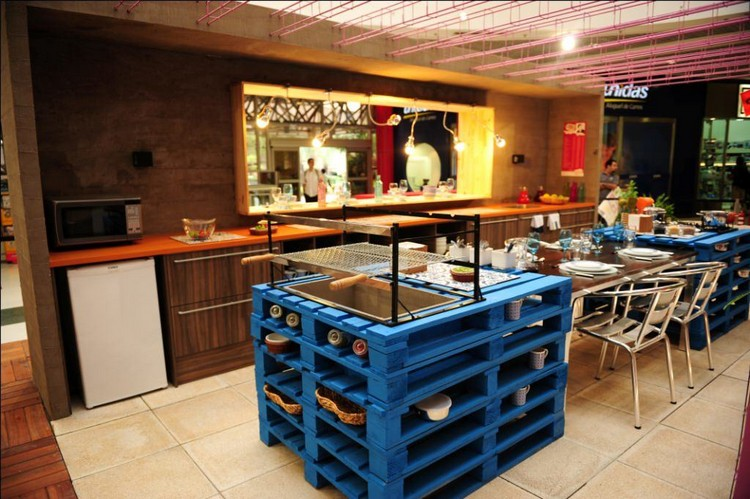 Pallet Kitchen Central Island