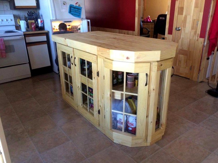 Pallet Kitchen Island with Plenty of Storage