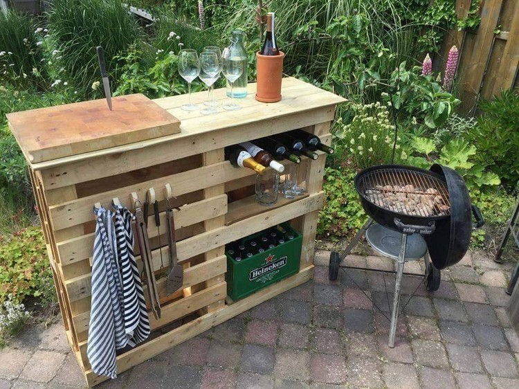 Pallet Outdoor Bar Table