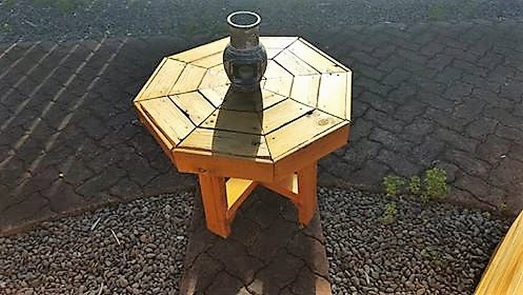 Pallet Outdoor Side Table