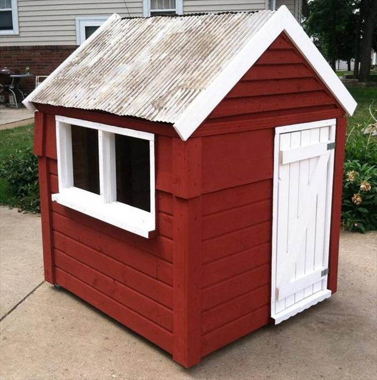 Wood pallet playhouses for kids pallet wood projects for How to make a playhouse out of wood