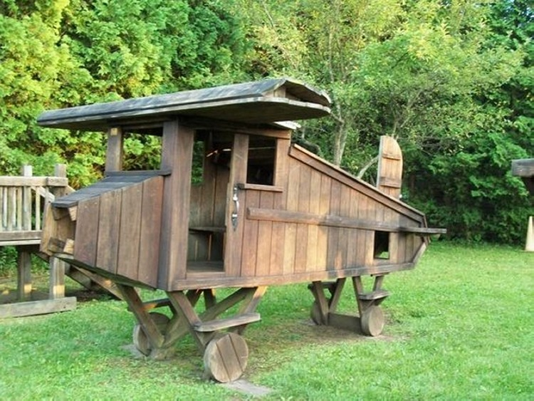Pallet Playhouse Plane