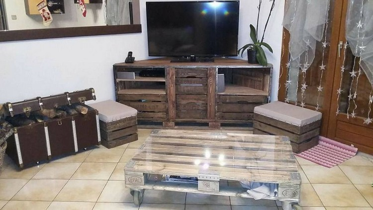 Pallet TV Stand and Table
