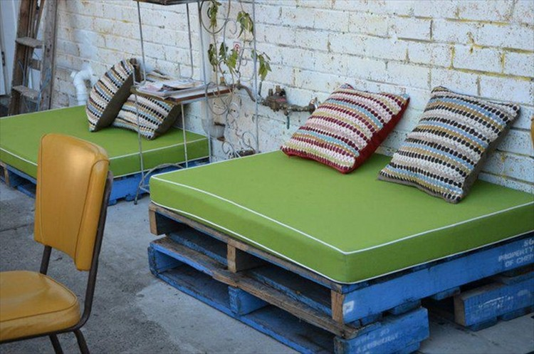 Recycled Pallet Sofa