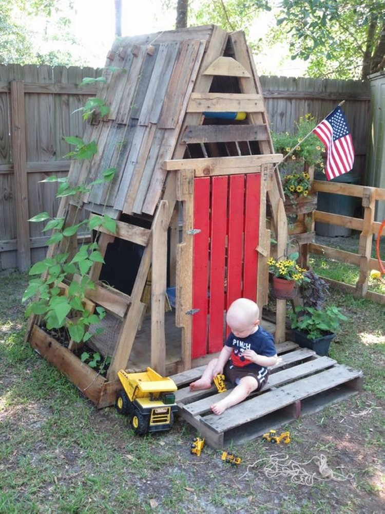 Teepee Pallet Playhouse for Kids