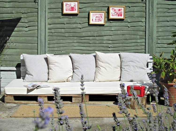 Wood Pallet Patio Sofa