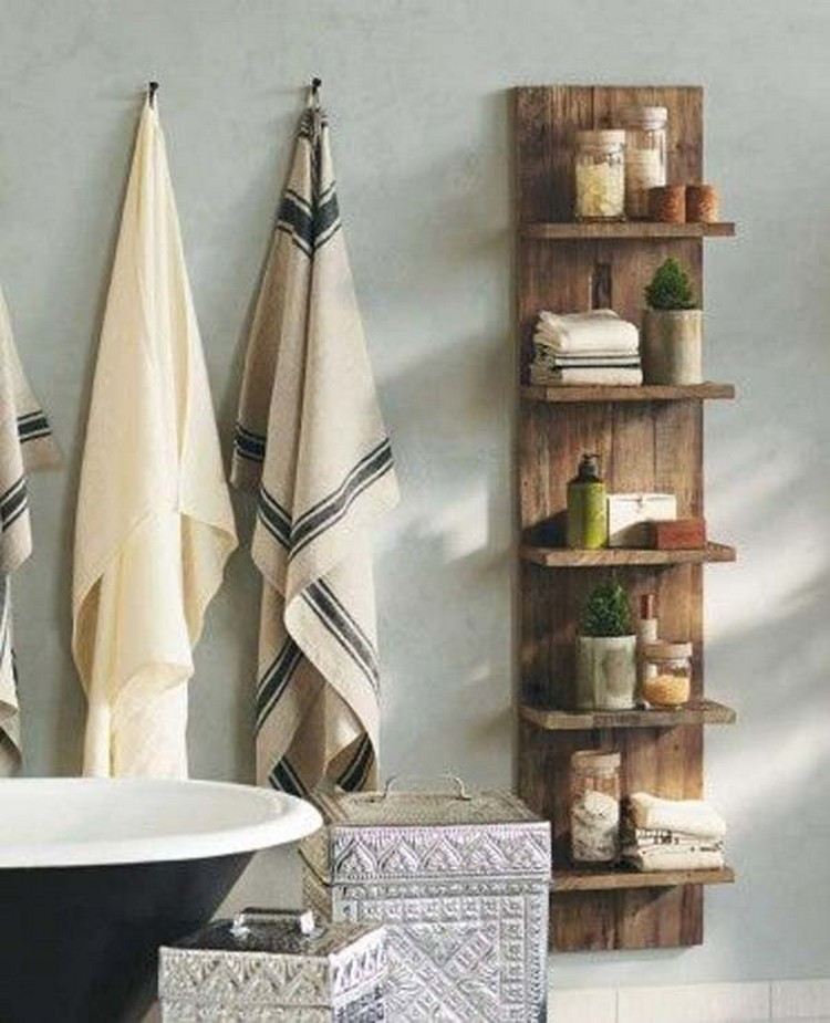 Wood Pallet Shelf for Bathroom