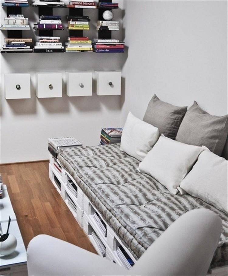 Wooden Pallet Sofa Idea