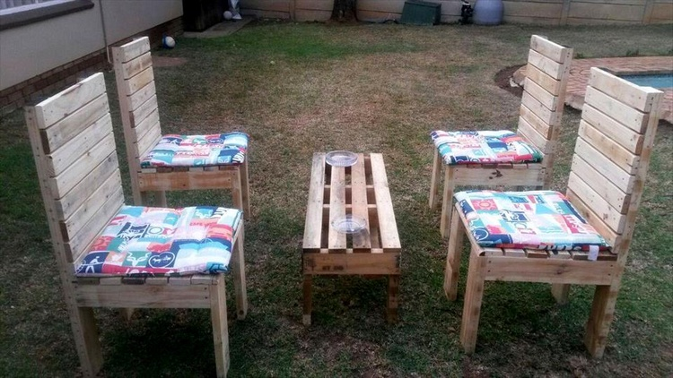 Amazing Pallet Garden Seating Set