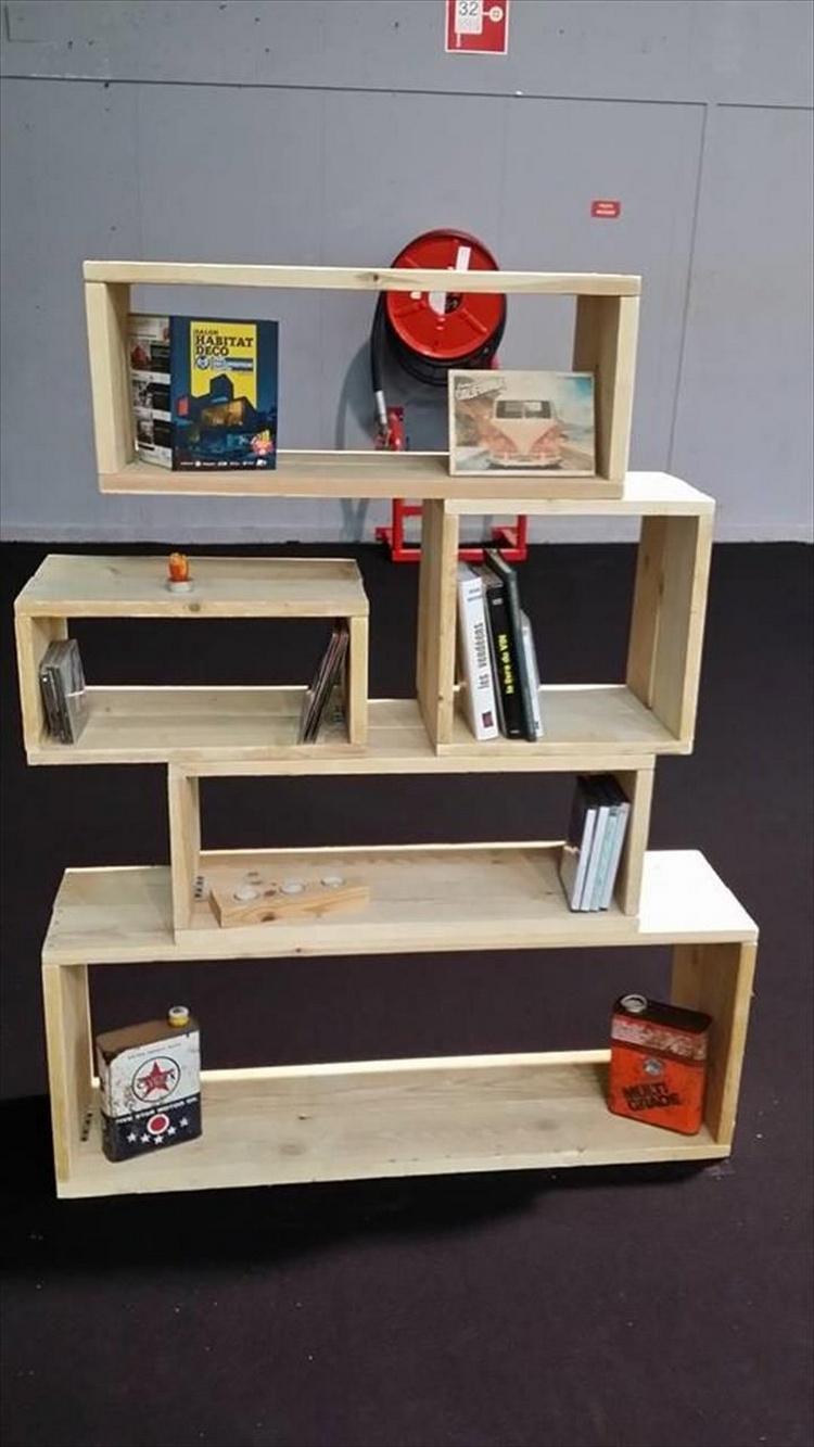 Pallet Art Style Bookshelf