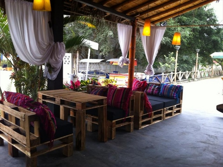 Pallet Bar Furniture Set