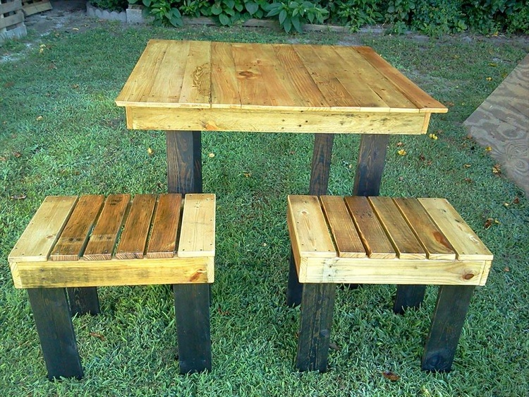 Pallet Garden Breakfast Table