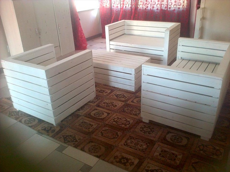Pallet Living Seating Set in White