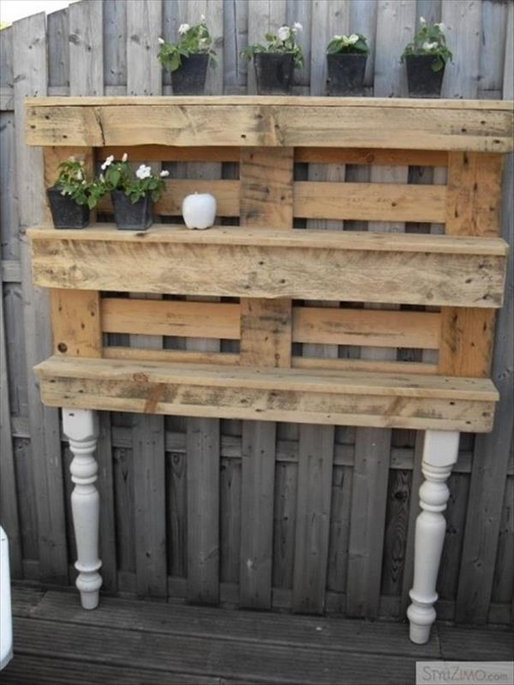 cheap easy and creative recycled pallet ideas that will. Black Bedroom Furniture Sets. Home Design Ideas