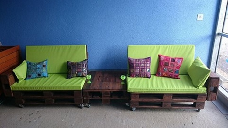 Pallet Wooden Couch with Table