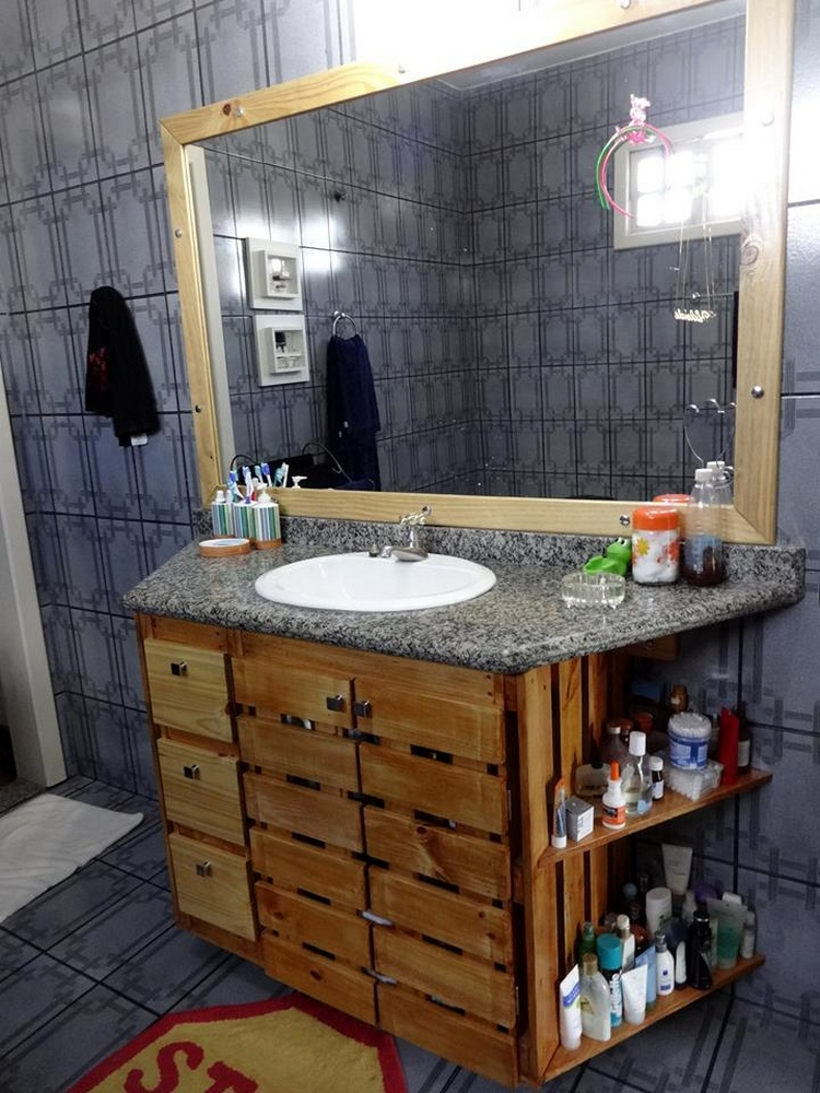 Wall Hanging Pallet Bathroom Vanity with Storage