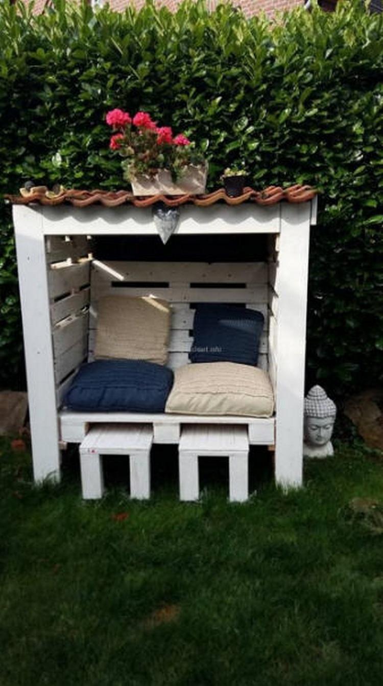 Wood Pallet Garden Gazebo Seat