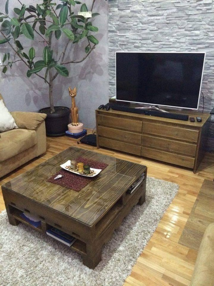 Pallet Living Room Table Set