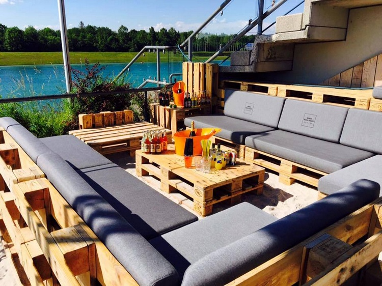 Pallet Occasional Outdoor Sofa Set