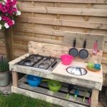 Pallet Outdoor Kitchen Idea