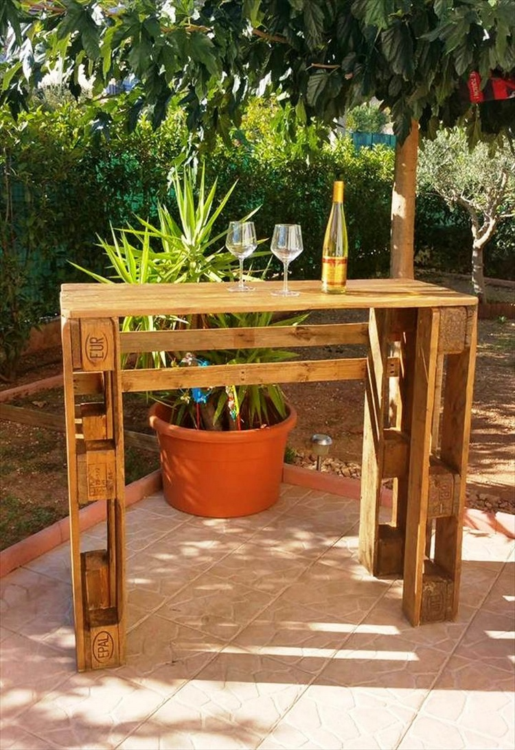Pallet Patio Bar Table
